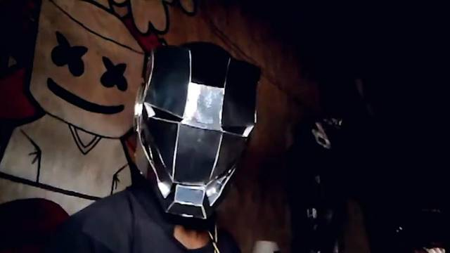 Crea armadura funcional de 'Iron Man' con cartón (VIDEO)